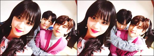 ----------------  • Des photos personnelles de l'adorable Jisoo mis en ligne sur leur compte partagé sur Instagram.   Février 2018 - Des  sublimes  photos de la jolie Jisoo,  c'ete sa derniére emission de présentatrice à Inkigayo avec Doyoung et Jinyoung.  ----------------