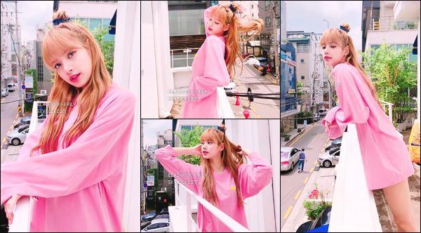 ----------------     QUELQUES PHOTOS DE NOTRE MERVEILLEUSE  LISA SUR    SON    INSTAGRAM PERSONNEL      Quelques photos de notre merveilleuse Lisa. Elle es sur un balcon, elle est tellement belle. Gros top pour cette tenue rose. J'adore trop.  ----------------
