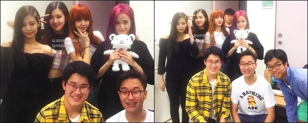 ----------------  • Des photos personnelles sur le compte Instagram de Suriyon  avec le groupe BlackPink.    Juillet 2017 - Les filles sont tellement merveilleuse et magnifique, j'adore beaucoup la tenue de Lisa et surtout ses long cheveux roux.  ----------------