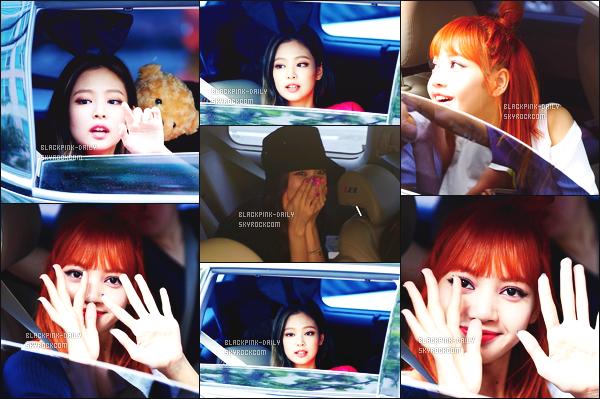 ----------------  25/06/17 :  BlackPink ont été aperçue arrivant/quittant dans leurs voitures dans les studios de   Inkigayo  -Séoul.  Les filles sont tellement toute joyeuses et heureuses. J'adore beaucoup, dommage peu de photos de cette sortie tres simple.  Gros top.  ----------------