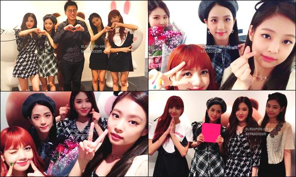 ----------------  • Des photos personnelles de BlackPink mis en ligne sur le compte YGEXStaff partager sur Instagram.   Aout 2017 -   Des photos de BlackPink pour leur debut au Japon, elles sont tellement belle.Je suis   fan du   n½ud dans les cheveux de Jennie.  ----------------
