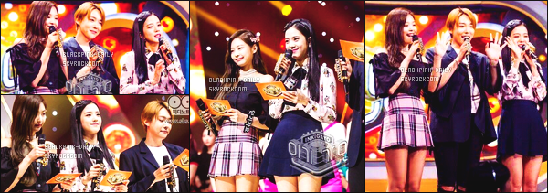 ----------------   20/08/17 :   Jennie  et Jisoo ont été photographiées en tant que présentatrice à  de l'émission de    Inkigayo à Séoul.   Mlle Jennie est venue rejoindre la belle Jisoo en tant que présentatrice. Je suis tellement fan de la tenue de Jennie. Tops pour les filles.  ----------------