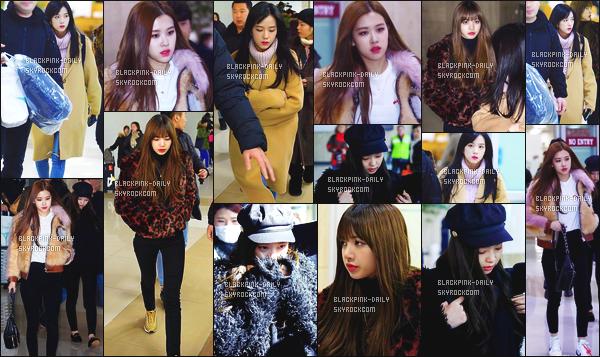 ----------------  24/01/18 :     Nos BlackPink photographiées arrivant dans la journée à l'aeroport du Japon pour se diriger à Séoul.  Alors la j'adore toutes les tenues de BlackPink mais j'ai un coup de coeur pour la tenue de Jennie.  Gros top aussi pour Lisa, tres jolie.  ----------------