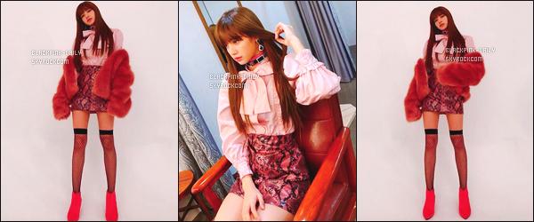 ----------------  • Une photo personelle de la princesse Lisa mis en ligne sur leur compte partagé sur Instagram.  Janvier 2018 -  Lisa est adorable. J'aime trop quand elle partage autant de photos c'est   mignon. Je suis complement fan de cette tenue.  ----------------