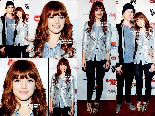 . 15.02.2012 Bella à la première du nouveau film Radio Rebel Sa tenue était magnifique! un TOP pour moi! TOP ou FLOP? .