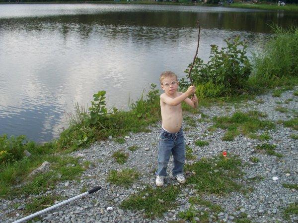 Julien à la pêche