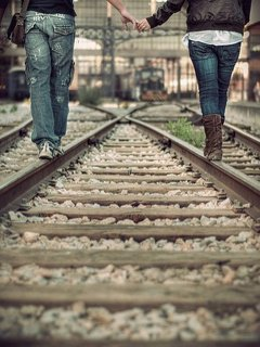 Prends mes mains et ne les lâches plus. ♥