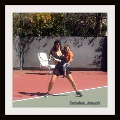 - 03-02-12 Kim et Mason faisant du Tennis -