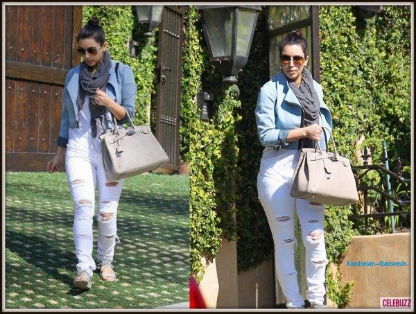 - 20-03-12 Kim sortant de l'Hôtel Ermitage à Beverly Hills ! Top ou Flop ?