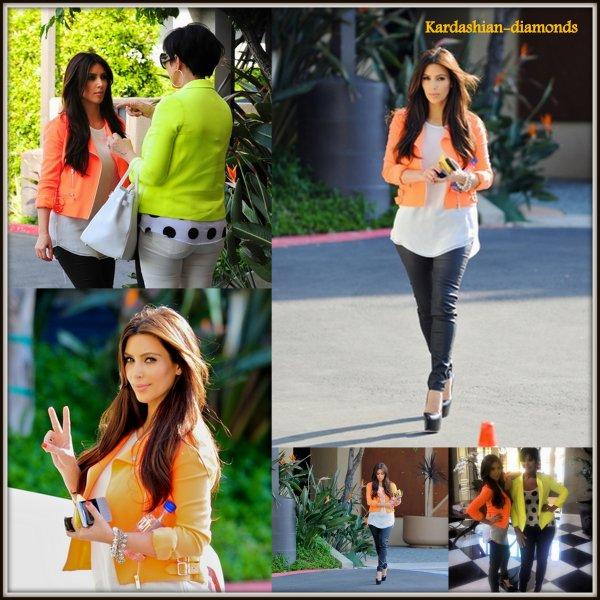 - 09-04-12 Kim et sa mère Kris Jenner de sortie à Los Angeles !