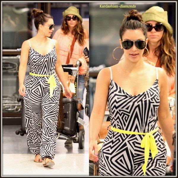 17-04-12 Kim arrivant à l'aéroport LAX !