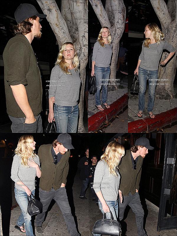. 12/06/2O13: Kirsten et son petit ami ont été vu quittant un restaurant de L.A. N'hésitez pas à laisser vos avis, je rends tout les commentaires. Qu'en pensez-vous de sa tenue ? TOP, BOF, ou FLOP ? .