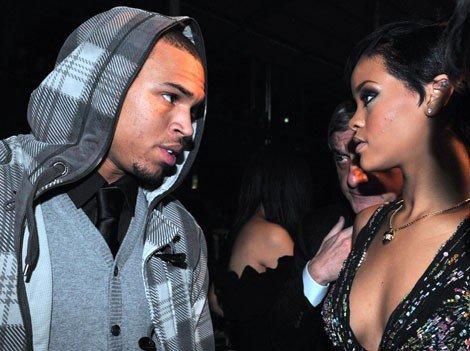 Chris Brown veut à nouveau pouvoir approcher Rihanna !
