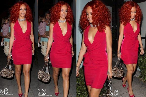 . 15 Avril 2011 Rihanna arrose son live dans un club! .
