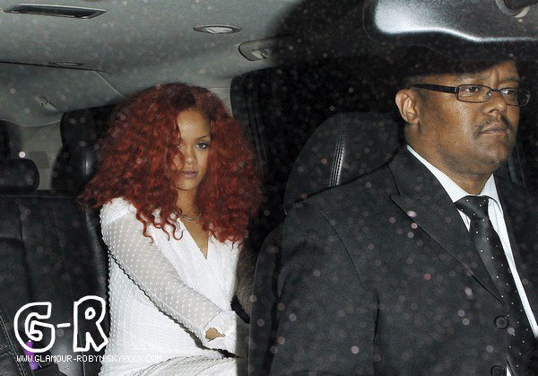 . 26 Avril 2011 : Rihanna quittant le restaurant Osteria Mozza à Los Angeles ! .