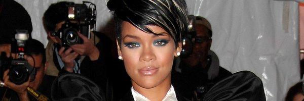 Rihanna presente au Met Ball 2011