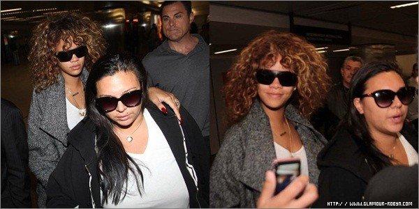 -------16/09/11: Rihanna arrive à l'aéroport de Sao Paulo, Brezil. ---Article posté par Oksana.