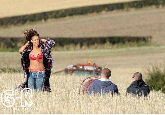 Rihanna tourne le clip de We Found Love à Bangor en Irlande du Nord--Article posté par Oksana.