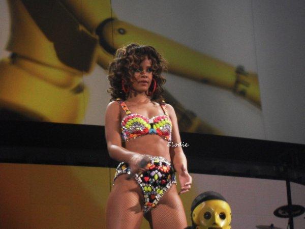 Rihanna obtient la démission d'une journaliste qui l'avait insultée
