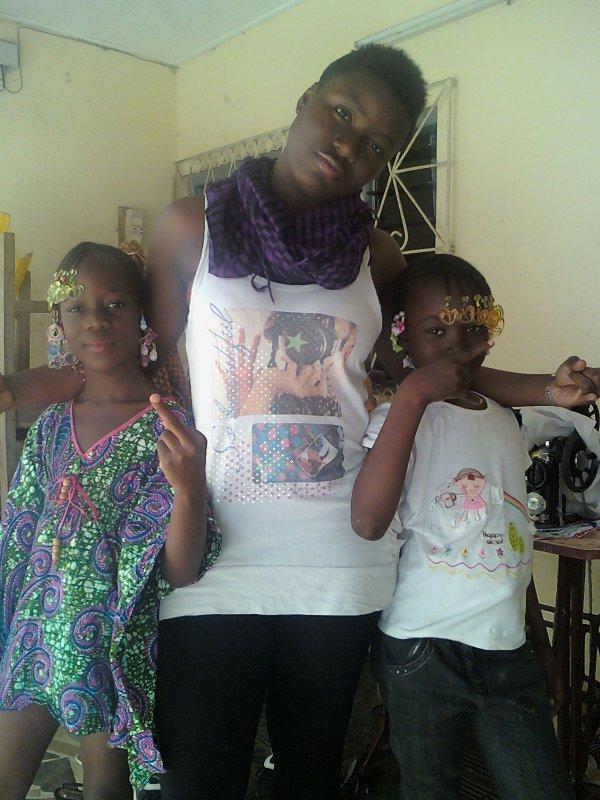 ma grando et 2 petites soeur