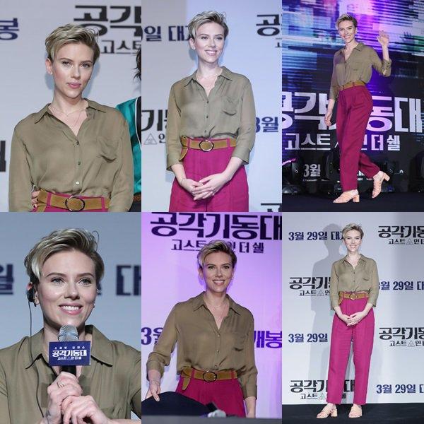 """. ♦ Scarlett Johansson assiste à la conférence de presse officielle avant la première de Séoul de la sortie de Paramount Pictures """"Ghost In The Shell"""" au Grand Intercontinental Hotel le 17 mars 2017 à Séoul, en Corée du Sud. !  ."""