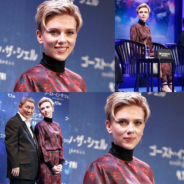 """. ♦ Scarlett Johansson assiste à la conférence de presse officielle avant la première mondiale de la sortie de Paramount Pictures """"Ghost In The Shell"""" à l'Hôtel Ritz Carlton le 16 Mars 2017 à Tokyo, au Japon. !  ."""