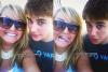 """Le 9 aout 2011, Justin a pris deux magnifiques photos avec une fan, celle-ci raconte : """" Je l'ai regardé droit dans les yeux et je lui ai dis 'est ce qu'on peut en faire une drôle?' et il a répondu 'Tout ce que tu veux chérie.' J'ai cru que j'allais mourir! lol. """" :)"""