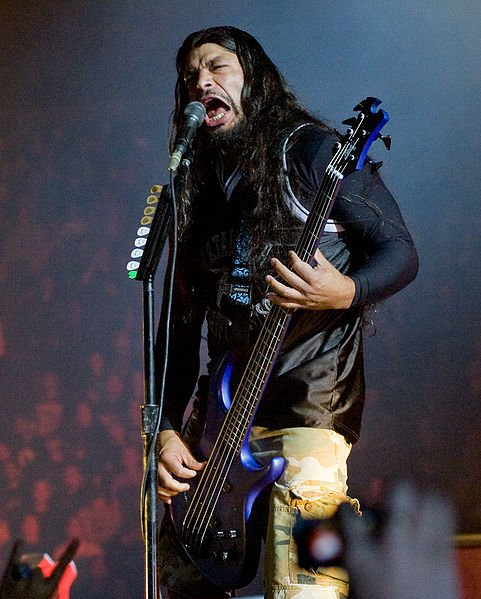 Robert-trujillo-live in london