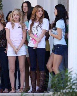 """03/12 : Miley a la Nouvelle Orléans (Louisiane)  pour le tournage de """"So undercover"""""""