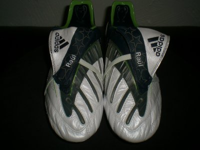 worn match boots raul !!!