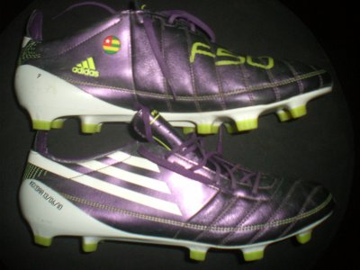 boots worn match adebayor !!