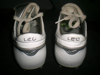 worn match boots leo messi tres rare !!!!!