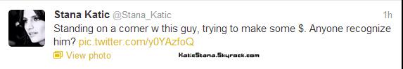 Stana Katic    Twitter !       Stana Katic    Castle - Photo promo 5x04       Diffusion le Lundi 15 Octobre 2012 sur la chaîne ABC
