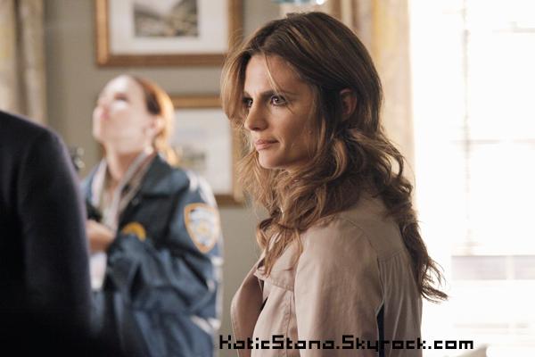 Stana Katic    Twitter !       Stana Katic    Castle - Photo promo 5x05       Diffusion le Lundi 29 Octobre 2012 sur la chaîne ABC