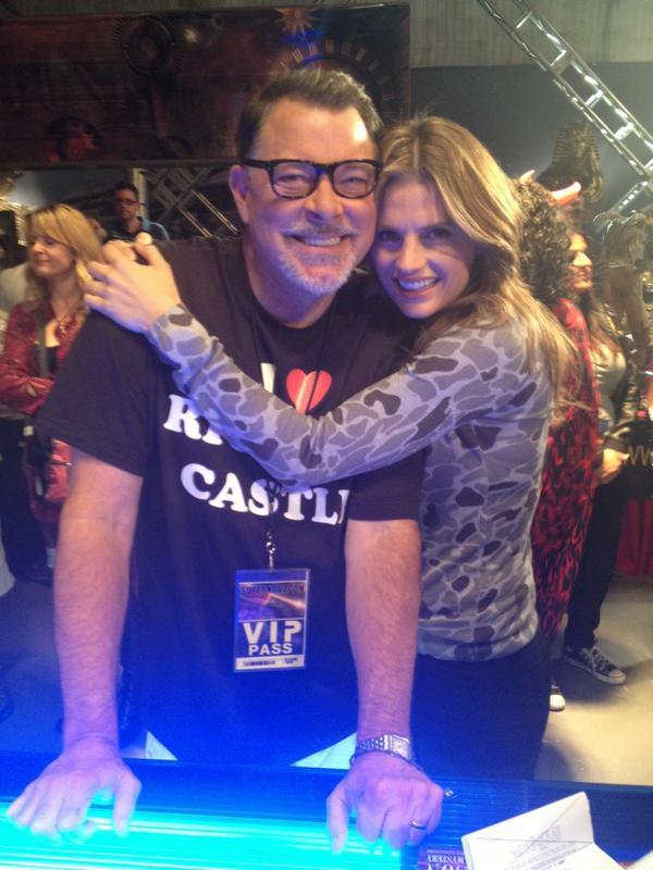 Stana Katic.  Twitter !       Stana Katic.  Dimanche 4 Novembre 2012 ; Stana et Andrew Marlowe pour le Castle USC !