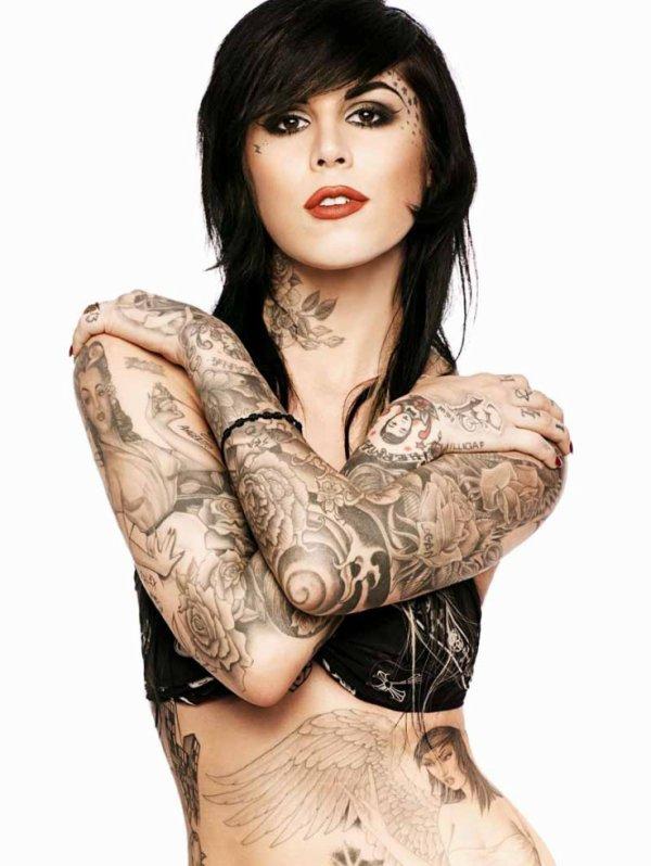Tout ces tatouages *___*