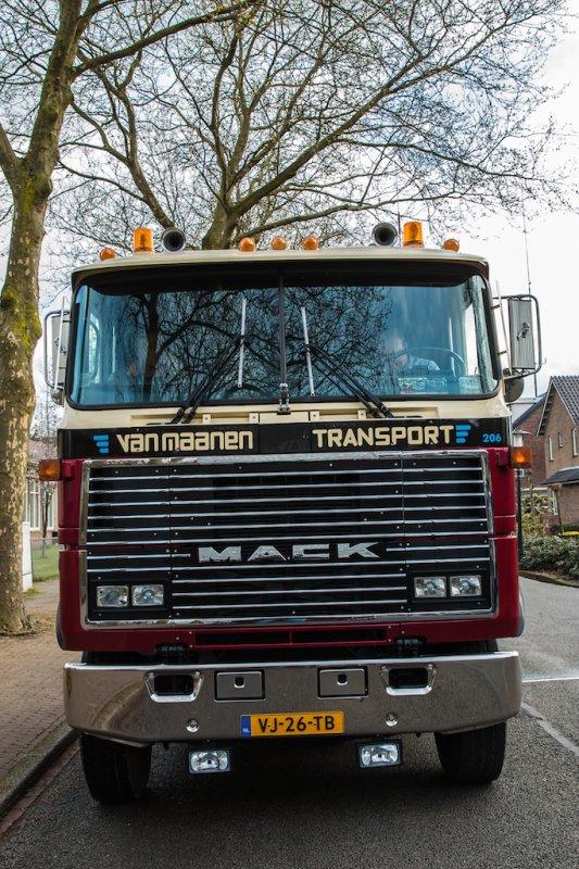 Mack MH612