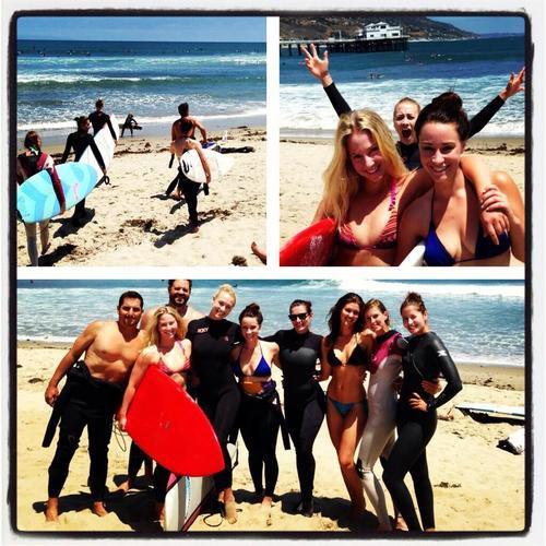 Le 31 juillet 2013, Yvonne a été à la plage de Los Angeles pour faire surf et paddleboard avec ses meilleures amies Mekenna Melvin et Mercedes Masöhn et ses amis Sarah Lancaster, Jessie Graff, Kinga Philipps, Albert Frigone et Rebecca Marshall et ils fêtent l'anniversaire d'Yvonne. (Perso;Yvonne a bien amusée et ces photos viennent instragram et ses noms sont en tags
