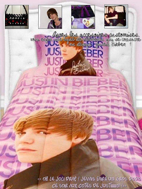 """Inscris-toi à la newsletter ~ Follow me sur Twitter ~ Ma fiction sur Justin - """"Ce soir je vais dormir avec Justin !""""-  - Après les petits accesoires customisés par les fans, la marque Lady Sandra Home Fashions a créé une parure de lit à son image (ils ont bien compris dans l'industrie du design que c'est ce qui allait faire mouche !) """"On a créé différents looks inspirés de ces images. Il y a le Justin 'rock star', le Justin 'cool ' et le Justin 'rêveur', tout ça pour garder son image intacte auprès de ses fans"""", des taies d'oreillers, des housses de couette, des serviette de bain, des rideaux de douche... Et vous, oseriez-vous acheter de telles affaires ? Histoire de dormir avec JayBee tout près de vous. - [Pour ma part non, je trouve que tout ça n'est que bisness, quoi de mieux pour gagner de l'argent que de faire des accessoires à l'égérie de Justin, l'ado le plus connu du monde ? Ils ont bien compris que les groupies allaient se les arracher. Ha la la...  -"""