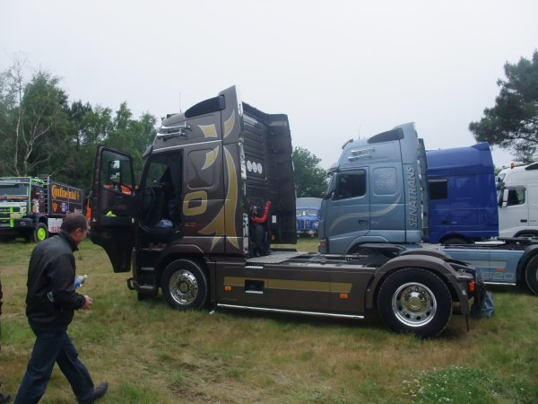 2ème manche championnat national camion cross à Baud