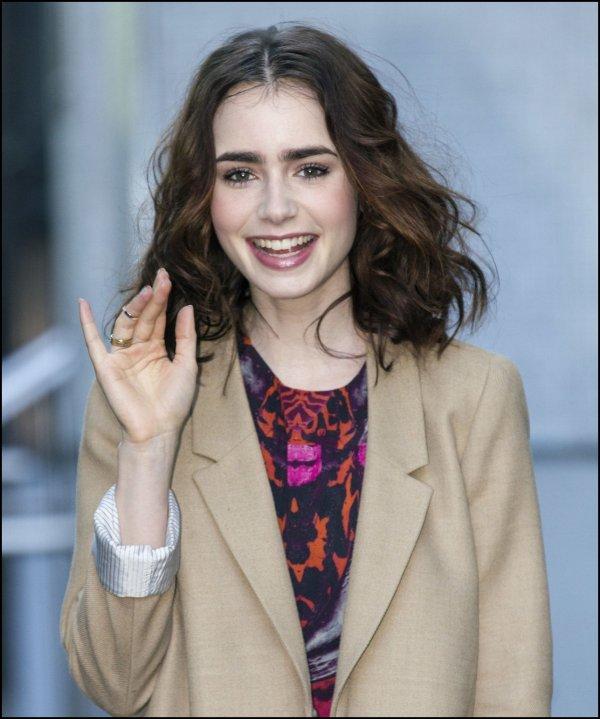 3 Juin 2013 : Lily a été aperçue par les paparazzis anglais, en train de se diriger vers les studios de la chaine anglaise ITV, afin de se faire interviewer par Lorraine.