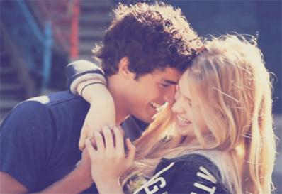 L'amour c'est quand il te manque des dents mais que tu n'as pas peur de sourire.