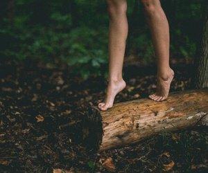 """""""Si  tu ne trouves pas chaussure à ton pieds,ne perds pas ton temps : marche pieds nus!"""""""