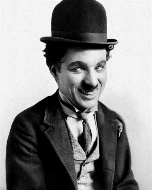 """""""La poésie est une lettre d'amour adressée au monde"""" -Charlie Chaplin-"""