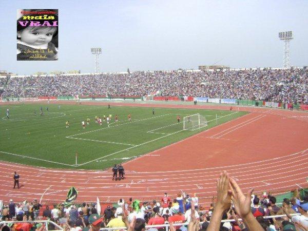 stade 24 fevrier bel abbes l'ambiance stade plein