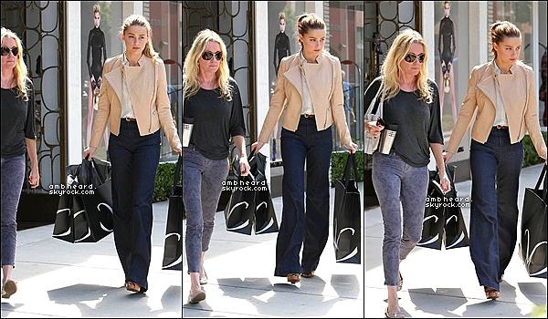 """27/09/12 : Amber Heard est allée faire du shopping dans la boutique « Monika Chiang » à Los Angeles. """"+ » Je suis vraiment fan de la tenue d'Amber, elle est vraiment magnifique et radieuse sur ce candid. Un TOP pour moi !"""