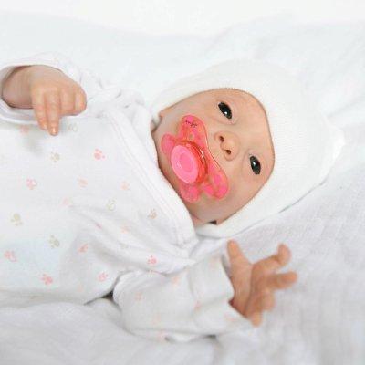 julie bébé préma, disponible