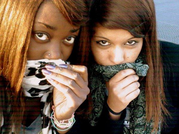 L'amicizia è un anima che abita in due corpi, un cuore che abita in due anime.