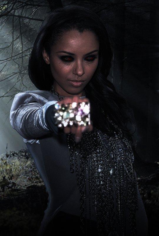 """""""Vampire Diaries"""" saison 3 : Bonnie en guerre contre les ex de Jeremy ?"""