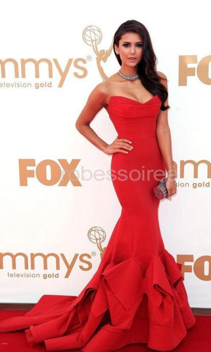 Emmy Awards Nina Dobrev Robe Bustier